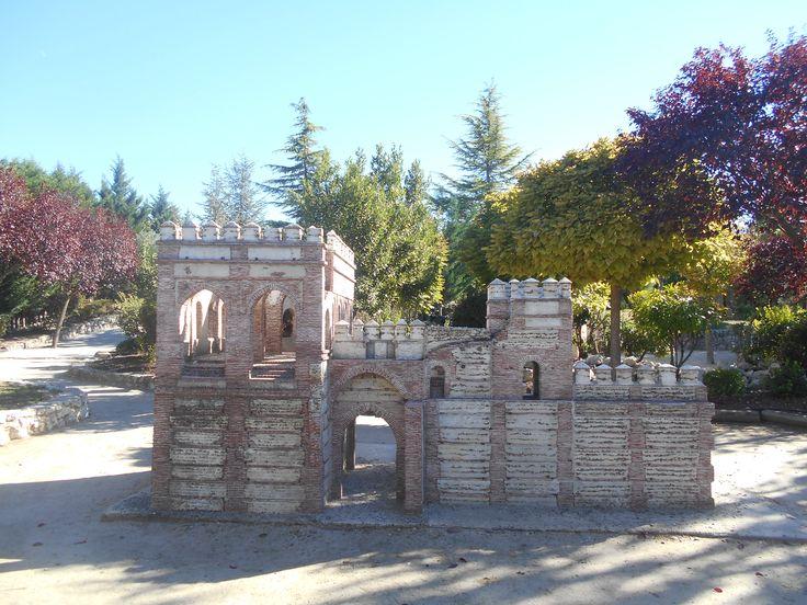 Puerta de Cantalapiedra en el Parque Temático del Mudéjar de Olmedo