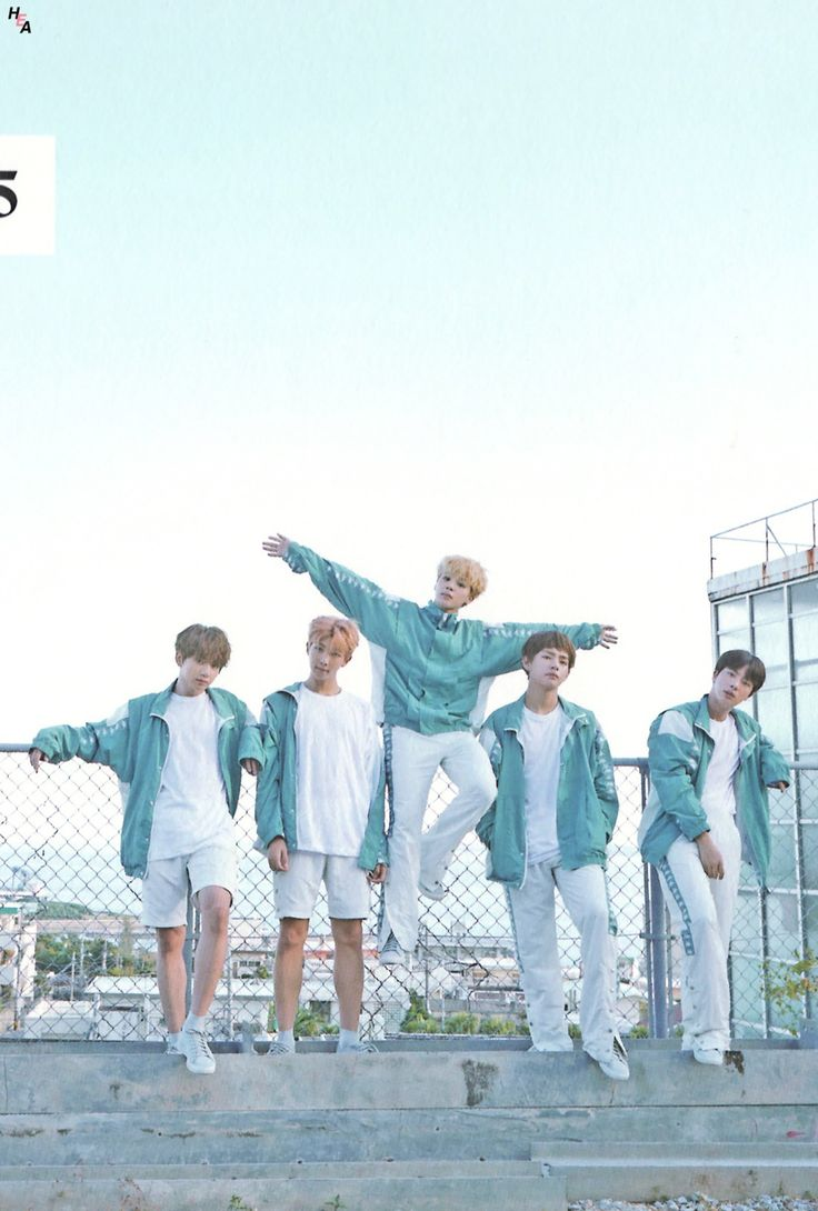 33 Cheerful Summer Living Room Décor Ideas: [SCAN] BTS 2018 SEASON GREETINGS ~♡ ©Happily Ever After