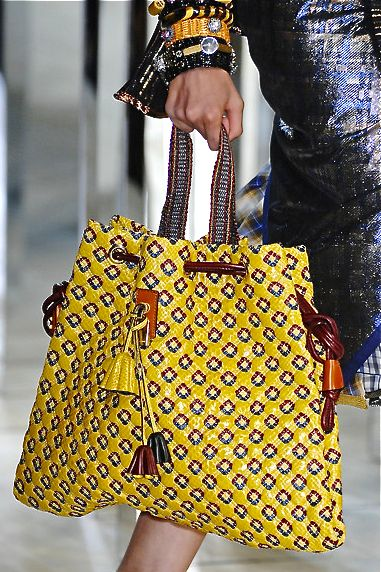 Marc Jacobs Yellow semi-ethnic bag with beautiful leather details