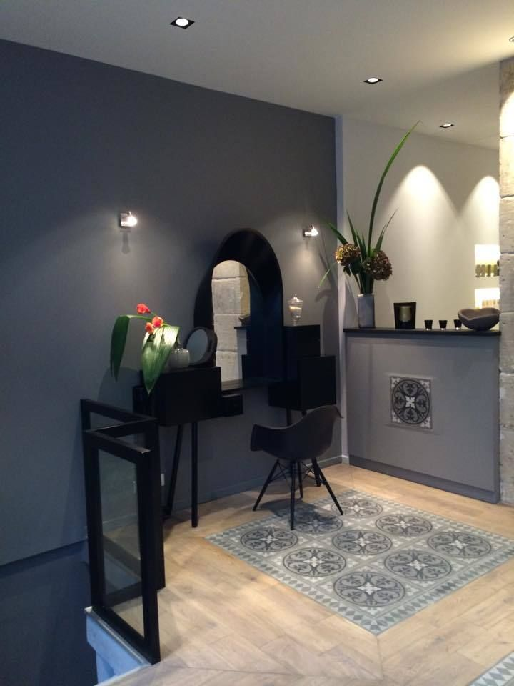 les 25 meilleures id es de la cat gorie salon de coiffure d cor sur pinterest salon de barbier. Black Bedroom Furniture Sets. Home Design Ideas