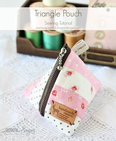 """Triangle Pouch Tutorial... unlined pouch using a 4"""" zip ~ A Spoonful of Sugar"""