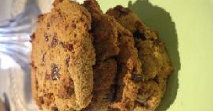 Paleo Chewy Choc Chip Cookies