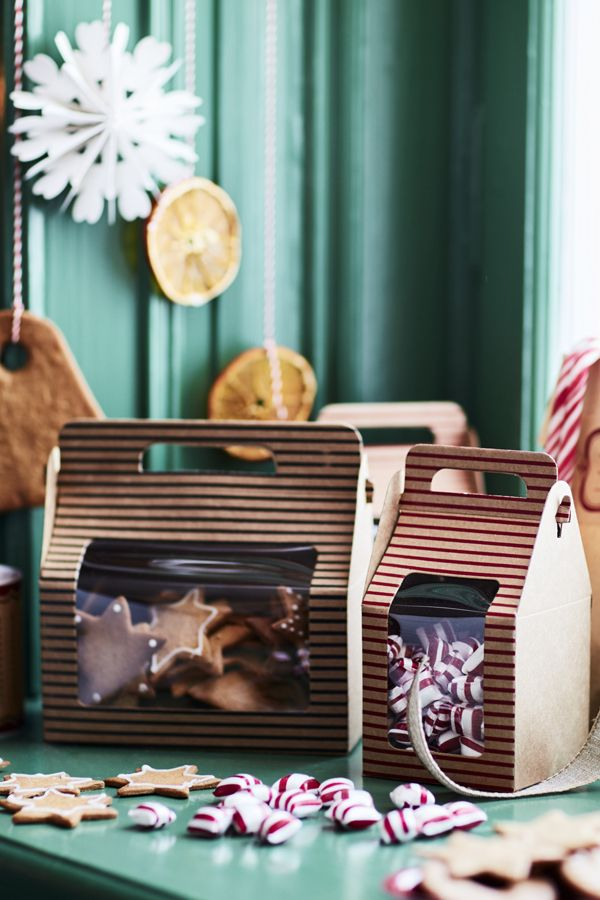 IKEA VINTER 2016 gift bags make it easy to give a beautiful, homemade treat as a gift. Check out Your 2016 Holiday Celebrating Guide for more IKEA ideas!