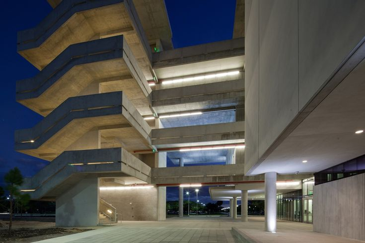 Gallery of Miami Dade College Academic Support Center / Perkins+Will - 9