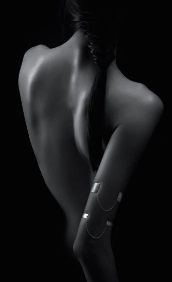 Rosalyn Citta | bracelets adorned with Italian chain