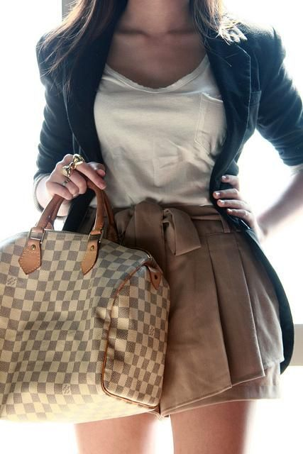 I would love this satchel......