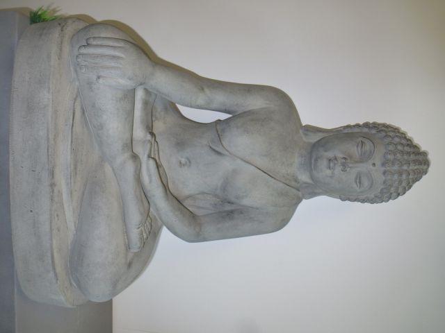 Statue Bouddha Assis Gris H 30 cm au meilleur prix ! - LeKingStore