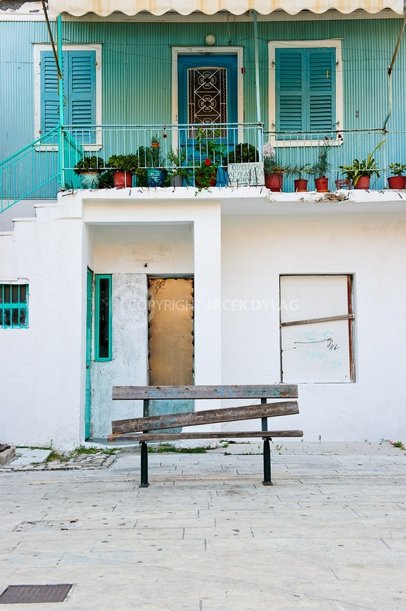 lefkas-greek-house-white-green