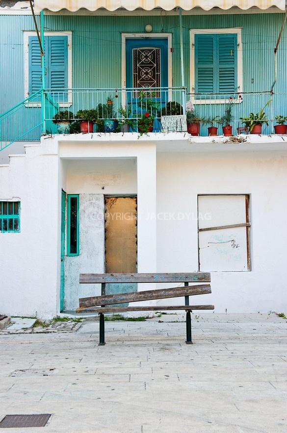 lefkas-greek-house-white-green