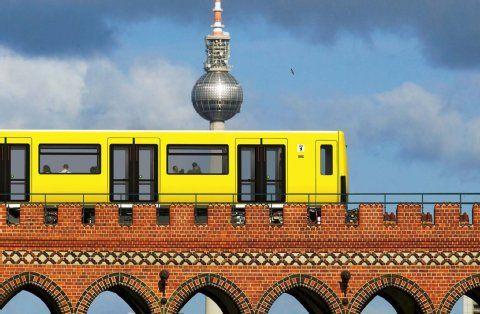 Neue U-Bahn der BVG: Jetzt rauscht Icke durch Berlin  _____________________________ Bildgestalter http://www.bildgestalter.net