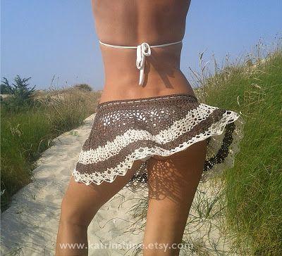 crochet beach skirt. OMFG. Is her name Lola? AT the copa? Copacabaaaaana???