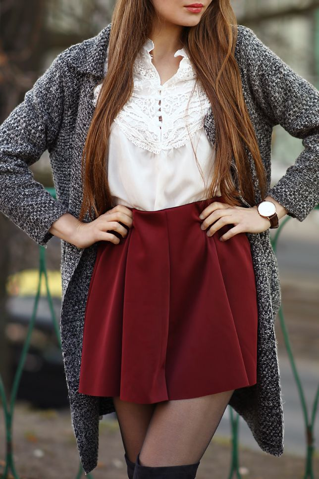 ...help! I have nothing to wear! - kobiecy blog o modzie: Szary cardigan, biała koszula, bordowa spódniczka i czarne kozaki za kolano