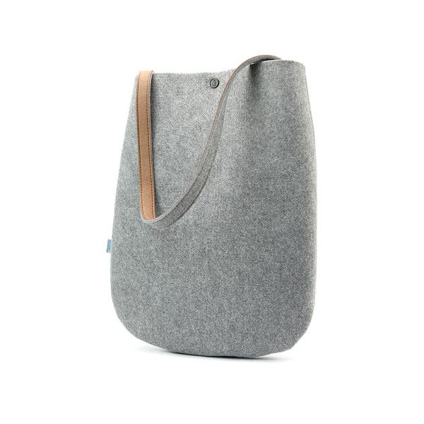 Simplicity and functional, Soren shoulder bag is fun for a daily outing or carrying essentials to work.