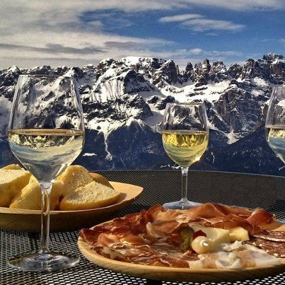 aperitif at high altitude - Paganella - La Roda