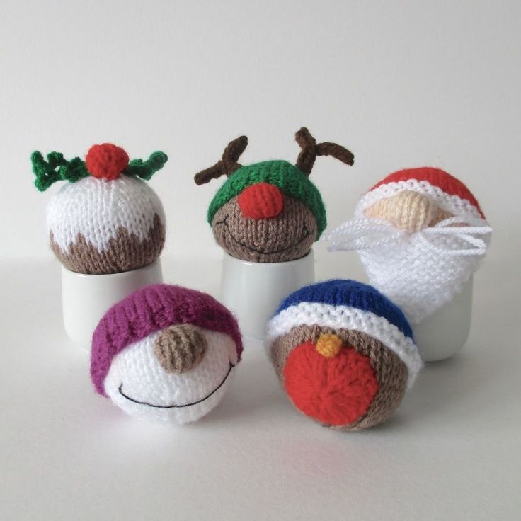 Christmas Baubles - Knitting Patterns at Makerist