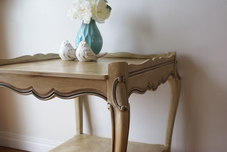 Curly Cue antiques  #chalkpaint #antiques #anniesloan #diy #newlook #painted #furniture   www.facebook.com/2ndhomefurnishings/