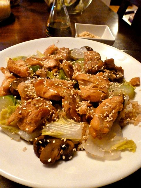 Hibachi Style Japanese Teriyaki Chicken with White Sauce