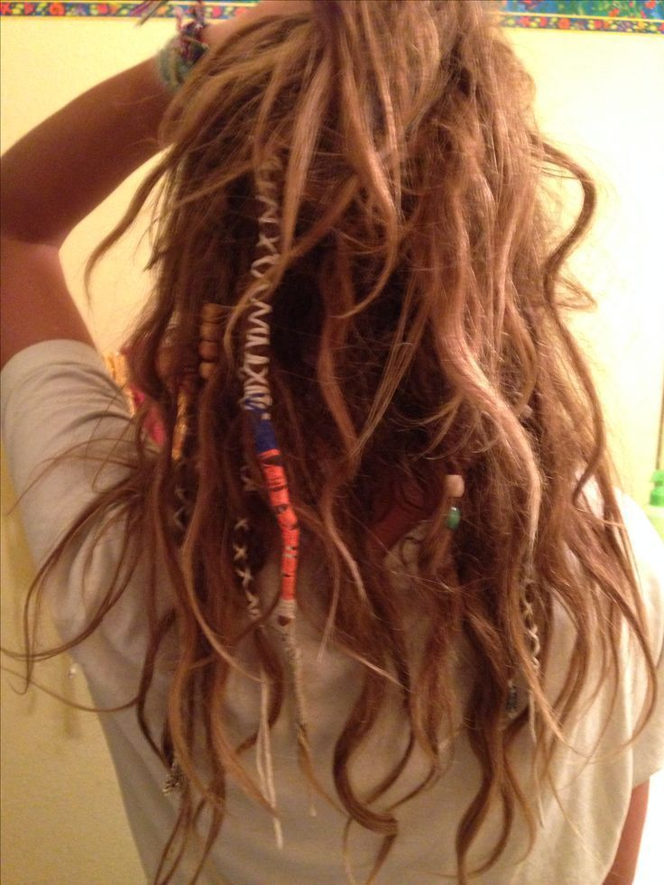 Image Result For Half Dreads Half Normal Hair Image Dreads For Hair Half In 2020 Dreadlock Frisuren Frisuren Haare