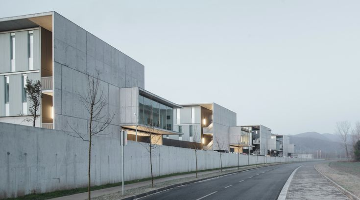 Image 4 of 28 from gallery of D'olot i Comarcal Hospital / Ramon Sanabria + Francesc Sandalinas. Photograph by Jesús Arenas