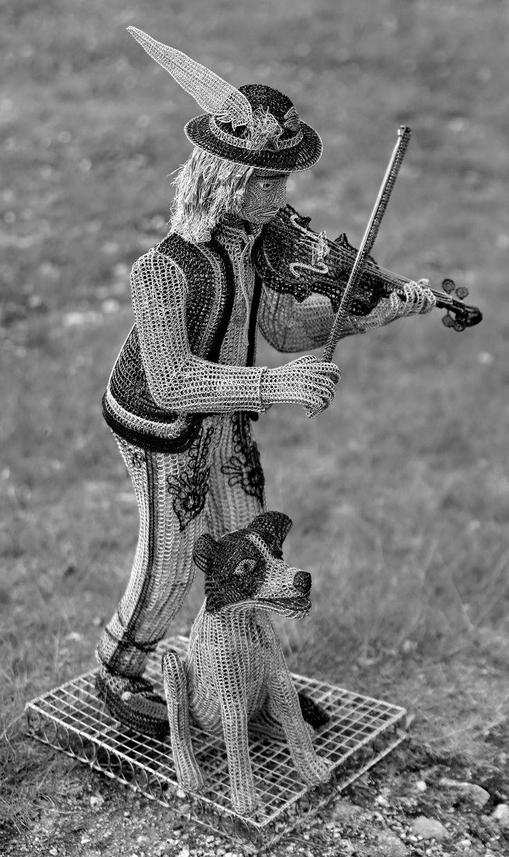 Goral-Wire sculpture