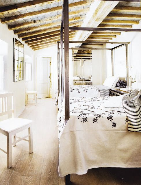 four poster bed, twin bed