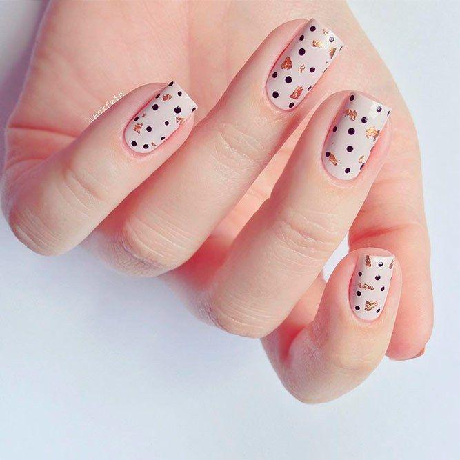 Helle und modische Tupfen zur Erneuerung Ihrer Nägel #