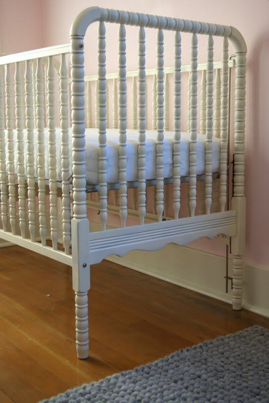 25 best ideas about old baby cribs on pinterest repurposing crib old cribs and reuse cribs. Black Bedroom Furniture Sets. Home Design Ideas