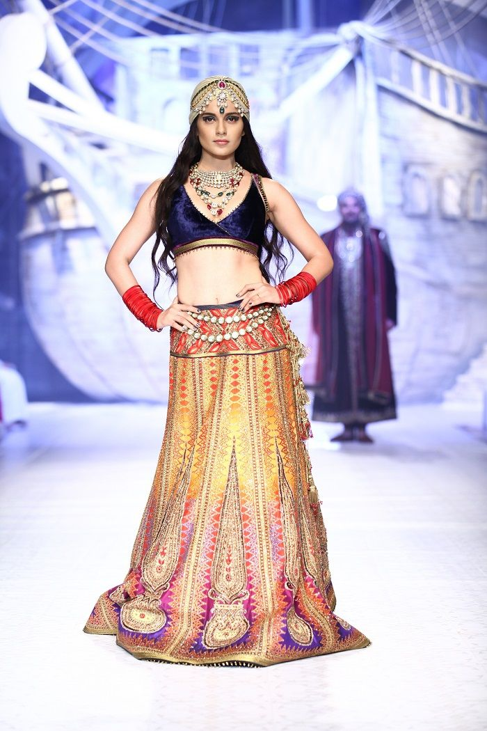 See more haute couture on http://www.weddingsonline.in/blog/editors-picks-top-bridal-wear-from-indian-bridal-fashion-week-2013/