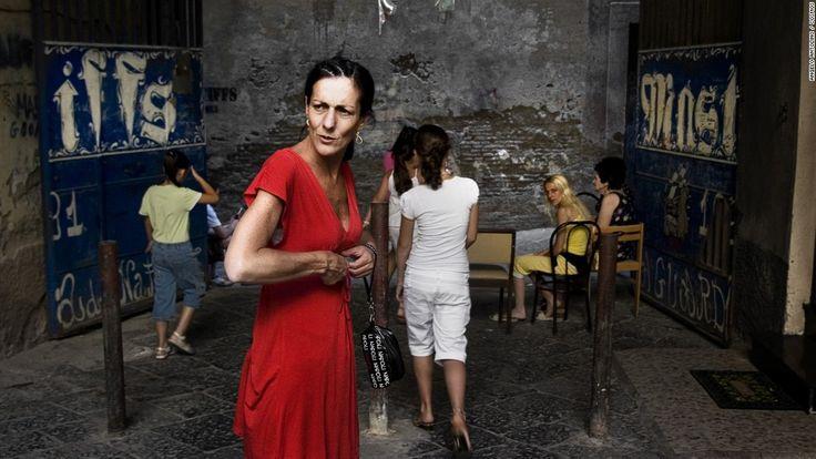 Les Femme de la Camorra, Napoli, Italie 2007 photo Angelo Antolino