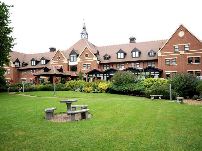 Stratford Upon Avon Hotels - The Stratford Hotel - QHotels