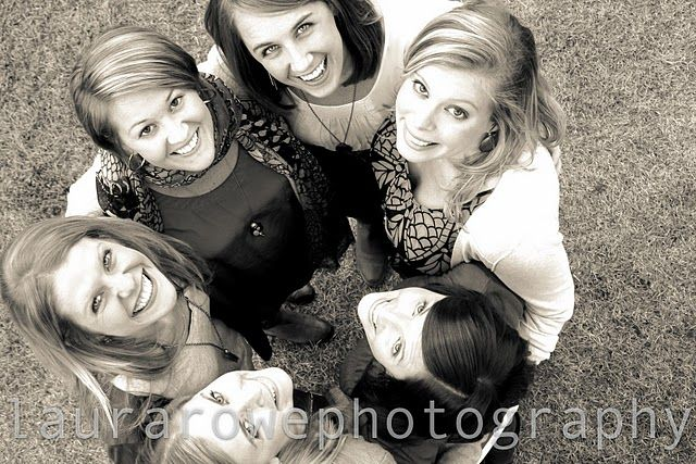 PHOTO IDEA - grab a shot of us girls or of us siblings from high up Looking --tomorrow im taking pictures of my cousins.. so prepare for lots of Photography pics!