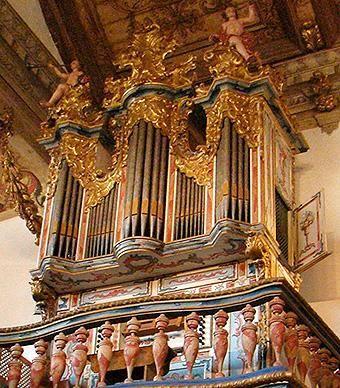 Órgão de tubos de Simão Fernandes Coutinho (1788)   Igreja Matriz de Santo Antônio em Tiradentes, Minas Gerais, Brazil
