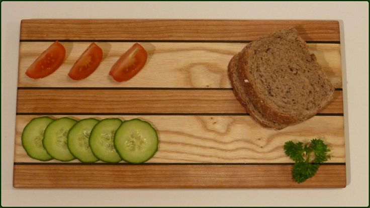 SERVING BOARD - the medium sized cutting and serving board