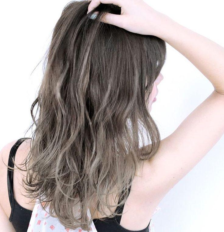「やっぱりアッシュがカワイイ。アッシュとハイライトでつくるヘアまとめ♡」に含まれるinstagramの画像|MERY [メリー]