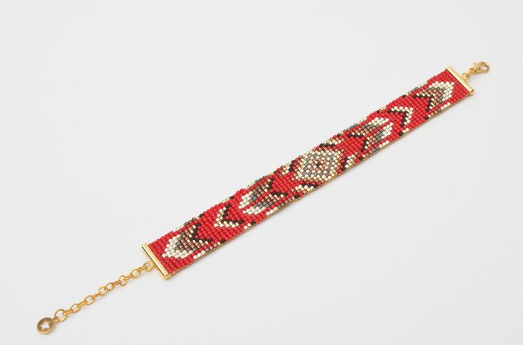 Bracelet manchette de 15mm en tissage de perles Miyuki rouges et fermoir doré. : Bracelet par benjaminebijoux