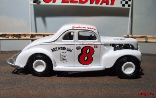 Vintage NASCAR Race Cars | ... Earnhardt Vintage NASCAR 1940 MODIFIED Ford Race Car - 1:24 diecast