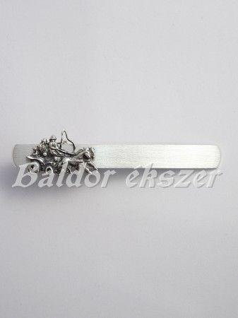 Ezüst fogathajtó nyakkendőcsipesz