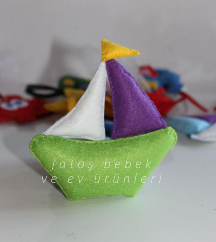 Rengarenk mini keçe gemi Colorful mini felt ship