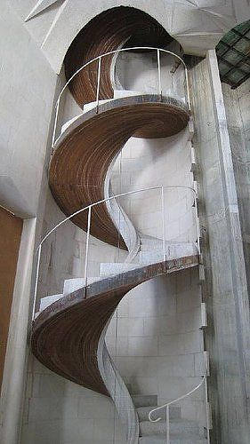 Here are just a few of the worlds most scariest and terrifying staircases.
