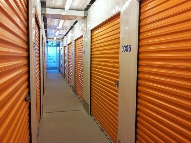 Möbel einlagern u. Kartons - lagerraum-anmieten.de