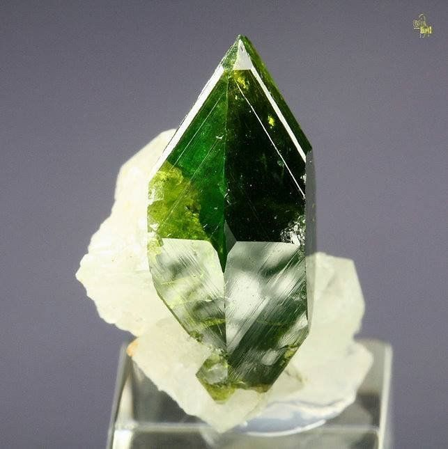 Beautiful Minerals — gem TITANITE - twinned, K FELDSPAR var. ADULARIA...