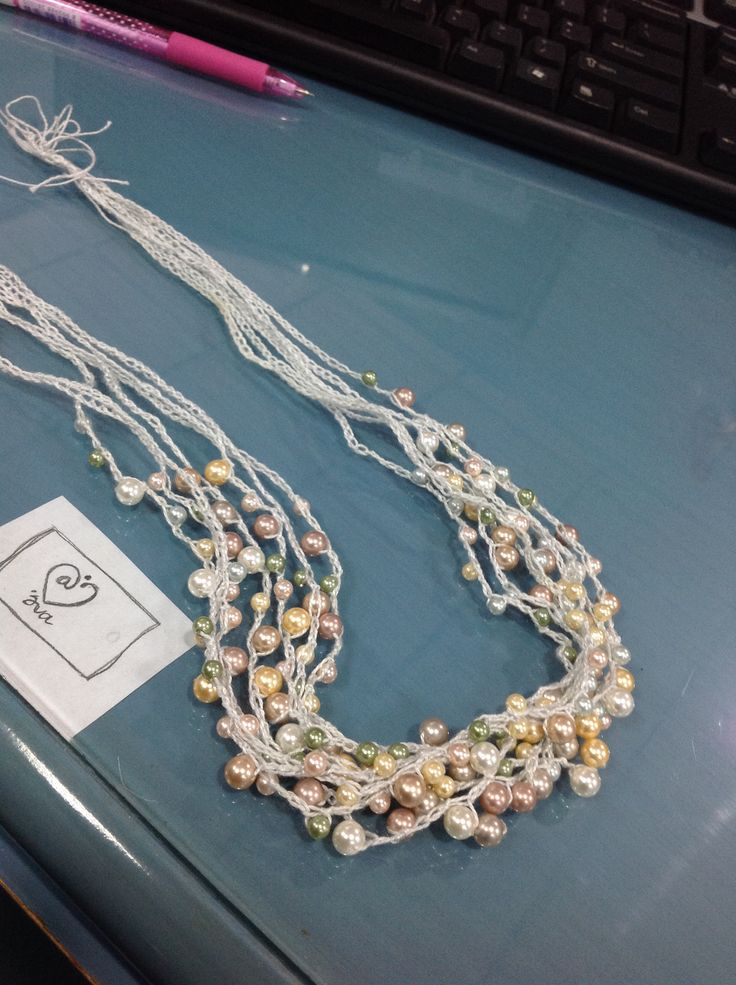 Crochet pearls necklace