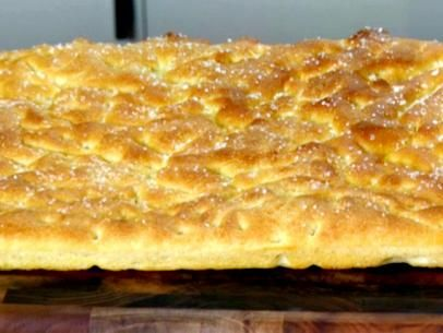 What's baking? Anne Burrell's 5-Star Focaccia!Olive Oil, Food Network, Focaccia Breads, Breads Recipe, Chicken Noodles Soup, Bread Recipes, Homemade Breads, Anne Burrell, Focaccia Recipe