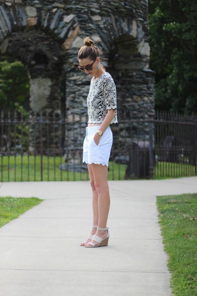 #proseccoandplaid Jess Ann Kirby wearing summery separates in eyelet shorts, lace tee and @solesociety kea wedges
