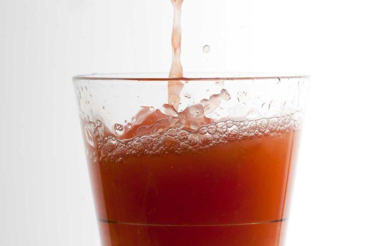 Sok z grejpfruta, miodu i octu jabłkowego wspomaga proces odchudzania....