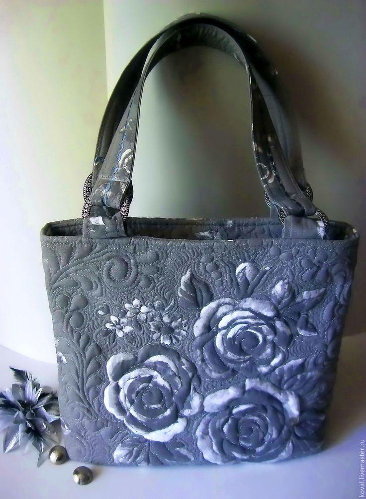 Купить Серебряные розы - цветочный, серый, Стеганая сумка, квилтинг, подарок девушке, монохром