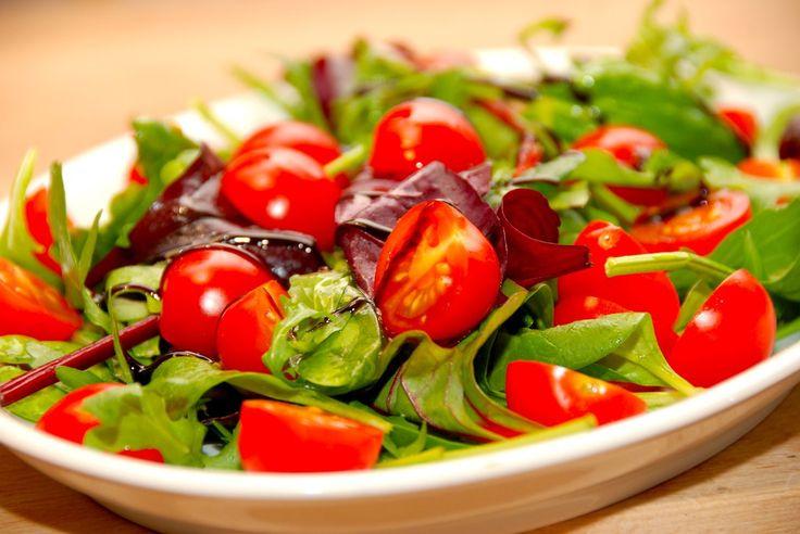 Tomatsalat med balsamico - opskrift fra Guffeliguf.dk