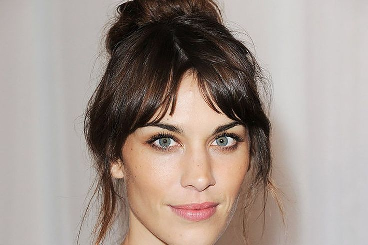 We are going pretty crazy for center parted bangs here at Folica. After we did the post, Haircuts You Need Like Right Now: 7 Summer Styles, we realized how awesome split bangs look on so many ladie...