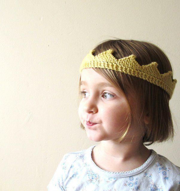 circlet by dani sunshine, free knitting pattern for a crown