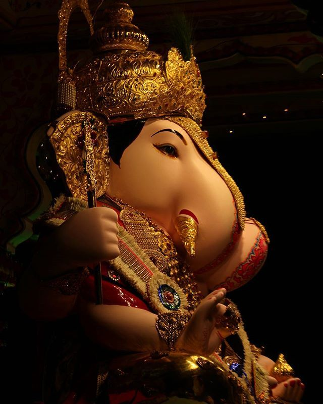 Shri Ganesh Hd Wallpaper: The 25+ Best Dagdusheth Ganpati Ideas On Pinterest